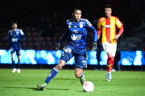 combien gagne un footballeur professionnel malgache en france