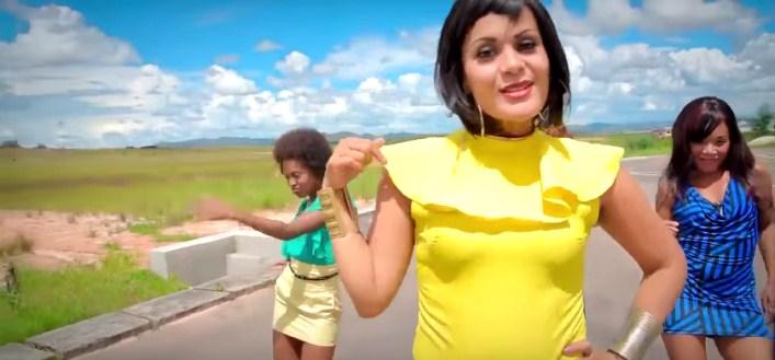 Une chanteuse malgache copie des artistes africaines… deux fois