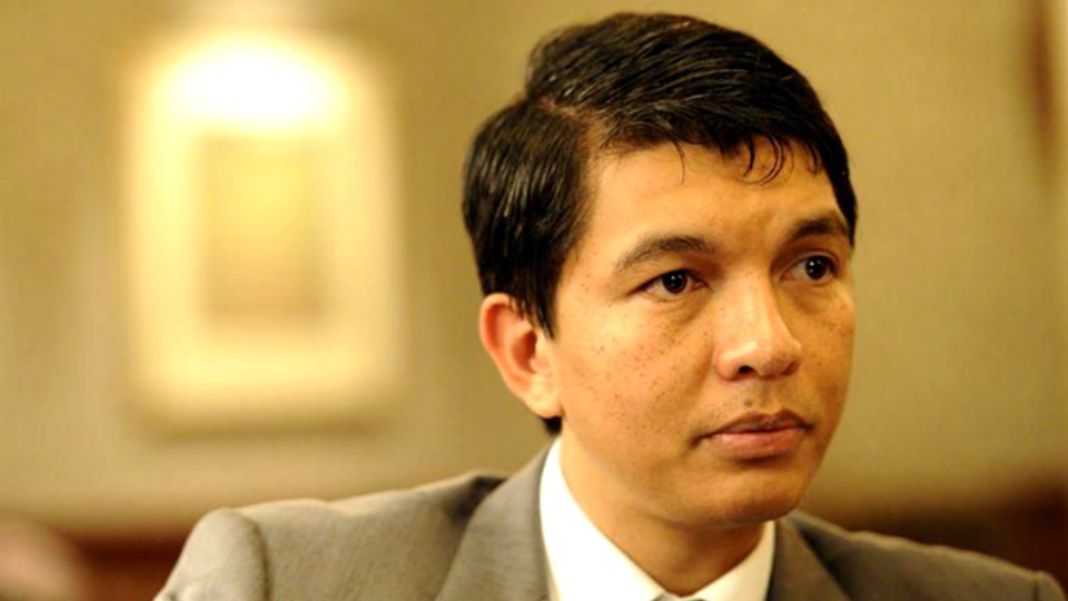 Andry RajoelinaHanao fanambarana lehibe