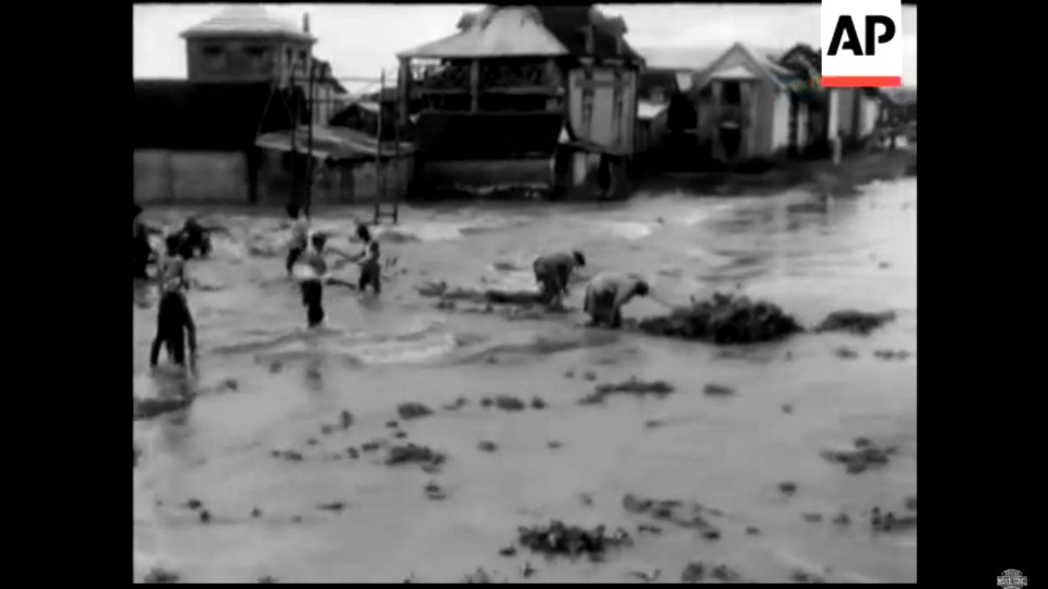 VIDEO. Des archives de Madagascar inondé suite à des cyclones en 1959