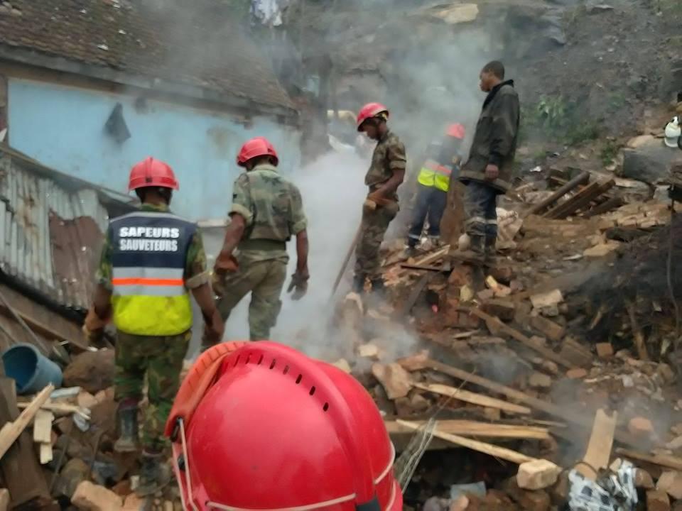 PHOTOS. Neuf morts et quatre maisons rasées par un éboulement à Antananarivo