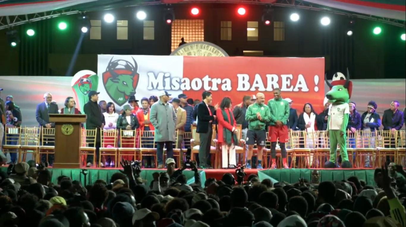 EN DIRECT. Les Barea accueillis en héros à l'aéroport d'Ivato et à Antananarivo